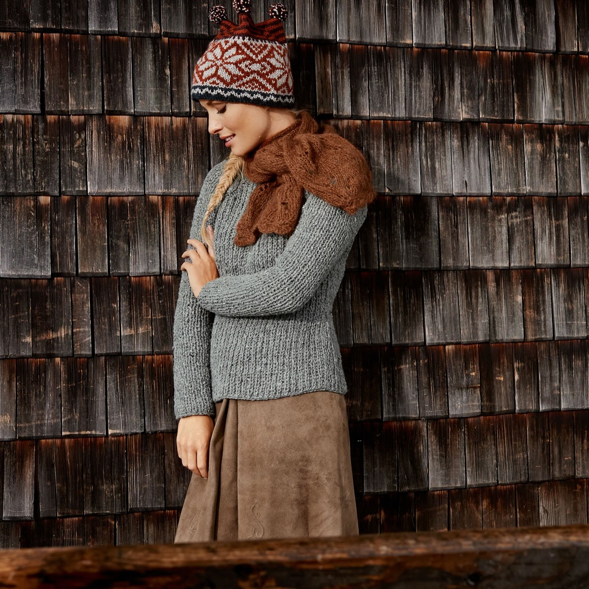 Lana Grossa Пуловер с косами по реглану Royal Tweed