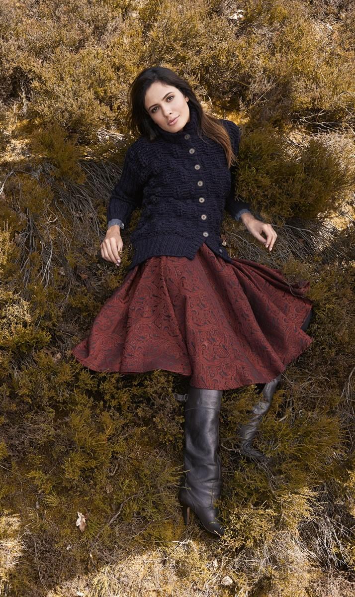 Lana Grossa ЖАКЕТ, СВЯЗАННЫЙ РЕЛЬЕФНЫЙ УЗОРОМ С КОЛОСЬЯМИ Alta Moda Alpaca