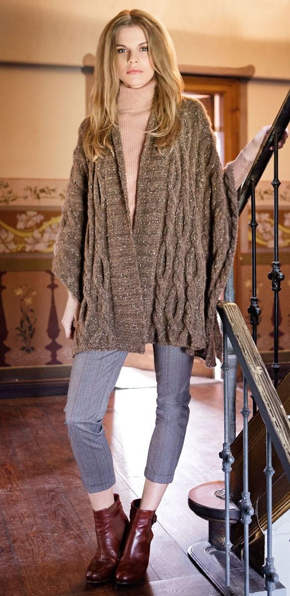 Lana Grossa Пончо, связанное узором с косами Cometa