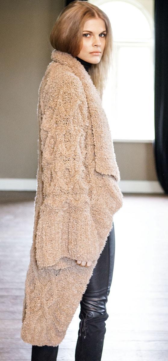 Lana Grossa Пальто, связанное узором с ромбами и косами Micio