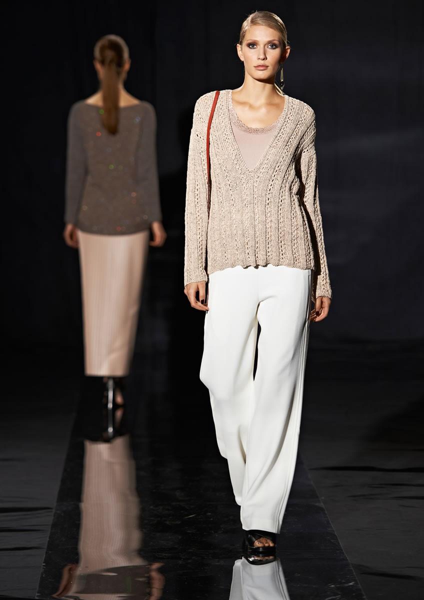 Lana Grossa Пуловер с V-образным вырезом Roma